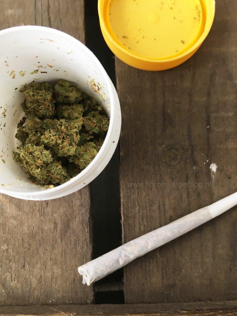 Medicinale cannabis-joint-bovenaf-fibromyalgie-blog-bew