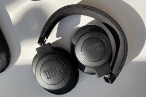 noise canceling koptelefoon